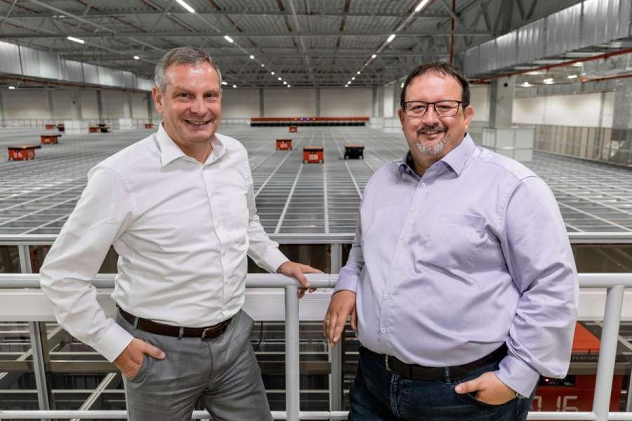Eine starke Partnerschaft: Thomas Rolle (links), Vice President European Operations bei TTI, Inc. und Michael Kawalier (rechts), Managing Director Sales bei Element Logic Germany