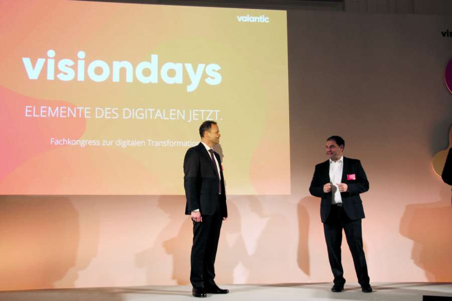 Martin Hofer (links), Valantic Supply Chain Excellence AG, und Anastasios Christodoulou, Valantic Business Analytics GmbH, eröffneten die valantic visiondays 2018. Foto: Pieringer