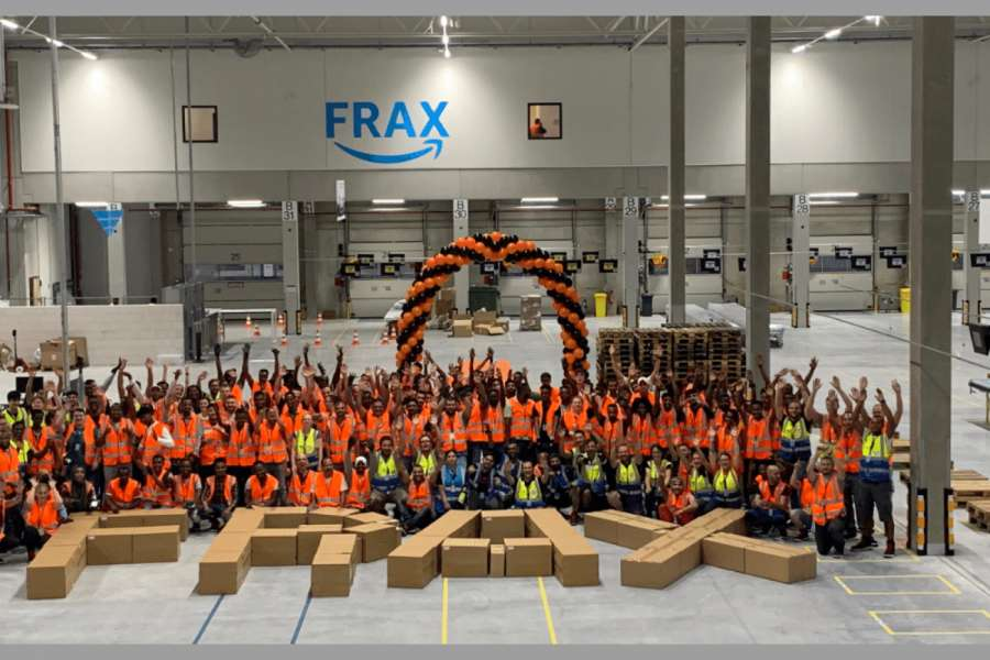 "Das Amazon-Sortierzentrum ""FRAX"" ist seit dem 30. August in Betrieb. (Foto: Amazon)"