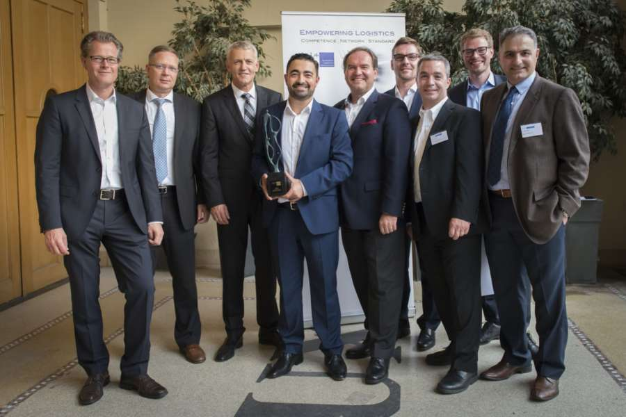 Die Agco-Manager nahmen die ELA-Goldmedaille entgegen (v.li.n.re.): Torsten Dehner (VP Purchasing & Materials, EME), Arnaud Ancey (Transport & Logistics Manager, PARTS, EME), Hans-Bernd Veltmaat (SVP & Chief Supply Chain Officer), Buelent Ileri (Director Transportation & Logistics, EME), Josip T. Tomasevic (CPO & VP Global Purchasing & Materials), Michael Buelow (Manager Transportation & Logistics, EME), Greg Toornman (Director Global Materials,